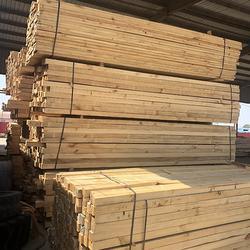 辐射松建筑方木、恒顺达木业(在线咨询)、工地辐射松建筑方木图片