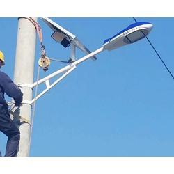 智能太阳能道路灯-太原亿阳照明(在线咨询)忻州太阳能道路灯图片