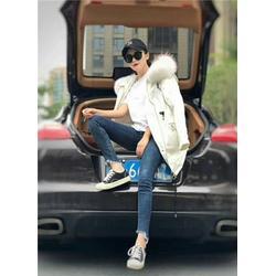 休闲棉麻品牌折扣女装-品牌折扣女装-莎奴服饰折扣公司图片