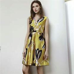 黄山品牌女装|品牌女装供应货源|莎奴服饰厂家供应