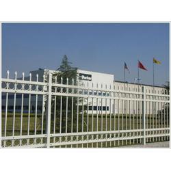 厂房小区锌钢护栏公司-厂房小区锌钢护栏-华鹏道路护栏图片