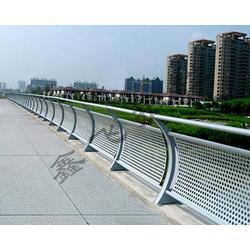 晋城河道护栏、河道护栏厂家、鑫飞护栏(推荐商家)图片