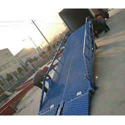 永鸿升降机械厂家直销、移动式登车桥制造商、平顶山移动式登车桥图片