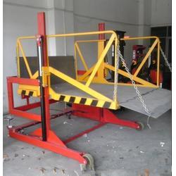 叉车装车卸货台 集装箱货柜装车电动升降平台 移动式液压升降装卸桥图片