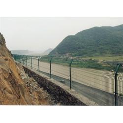 护栏网_雄晨实业_优质机场护栏网图片