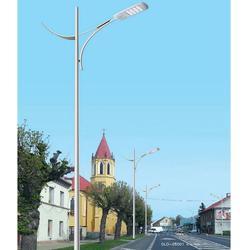 济南路灯、信诺灯饰值得信赖、安装路灯图片