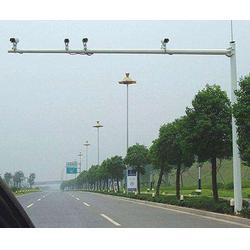 双鸭山监控杆-信诺灯饰值得信赖-停车场监控杆供应商图片
