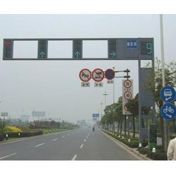 十字路口電警桿供貨商-信諾燈飾優質服務-鄭州電警桿供貨商圖片