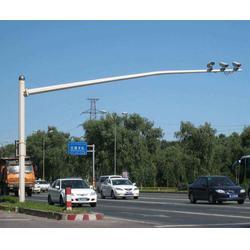 三亚监控杆定制-信诺灯饰信誉保证-交通信号监控杆定制图片