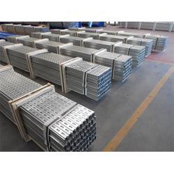 恒鑫压型板公司 (图)_C型钢多少钱一吨_青海C型钢图片