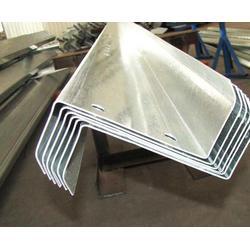 镀锌Z型钢加工厂家-恒鑫压型板-承德镀锌Z型钢图片