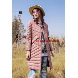 时尚品牌女装折扣18冬装轻薄羽绒服一手货源尾货库存图片