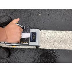 反光道路标线涂料使用事项、反光道路标线、新凯化工图片