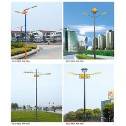 高速服务区太阳能路灯-太阳能路灯-朗和照明灯图片