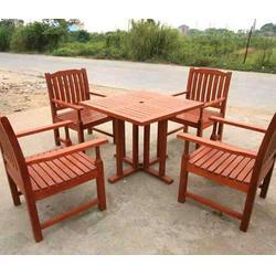 桐柏景区防腐木桌子哪家好质量材质上乘图片
