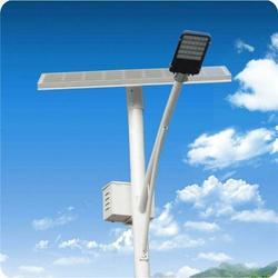 天津太阳能路灯厂商|扬州强大光电科技|太阳能路灯图片