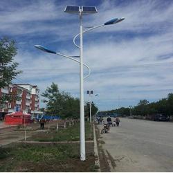 8m太陽能路燈哪家強-8m太陽能路燈-揚州強大光電科技