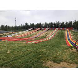 旱雪滑道厂家生产安装可定制颜色的七彩旱雪彩虹滑道图片