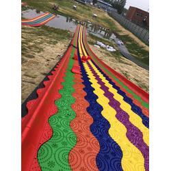 七彩旱雪滑道建設周期短一年四季經營打卡網紅彩虹滑道圖片
