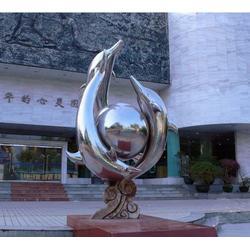 校?#23433;?#38152;钢雕塑、大展雕塑、淮南不锈钢雕塑图片