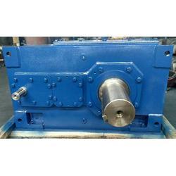 B4SH10重载齿轮传动箱,泰兴非标定制斜齿轮减速机,弗兰德工业齿轮箱图片