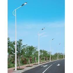 七度照明厂家直销非标定制-肇庆LED路灯灯杆安装图片