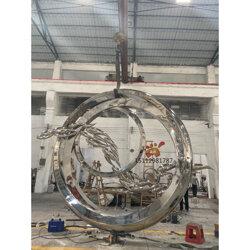 镜面不锈钢圆环雕塑、生动传神景观雕塑成了网络热搜图片