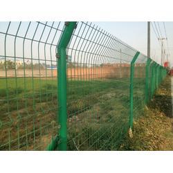 厂家直销双边丝护栏网 高速护栏网 防护网铁丝网围栏图片