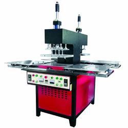 硅胶商标植胶机 矽胶商标压花机厂家直销图片