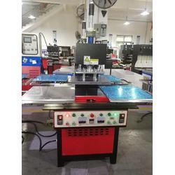 厂家直供硅胶压花机 矽利康商标压花机图片