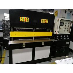 KPU鞋面压机 KPU设备 做KPU鞋面的机器图片