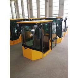 挖掘机玻璃定制-宇光车辆亚博ios下载-挖掘机玻璃图片