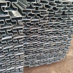 薄壁鍍鋅帶凹槽管廠家圖片