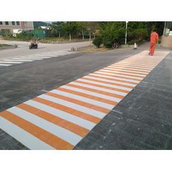 道路斑马线 热熔划线标线 交通工程画线图片