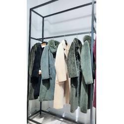 时尚潮款大衣欧莎玛卡羊剪绒大衣冬装新款一手货源走份图片