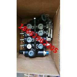 叉车三路阀WGCDB-F15/3压力20MPA流量65L(FLOW)液压分配器3.5吨图片