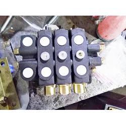 DL-L15E-(T)液压多路阀换向阀分配器 沐工机械装载机 抓木机 铲车图片