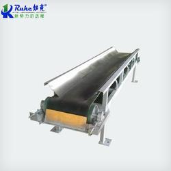 定制PD型碳钢皮带输送机图片