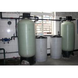 8吨每小时软水处理设备│8吨锅炉软化设备│直径600*1850的玻璃钢树脂罐2472图片