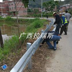 上林县乡村公路波形护栏 波形护栏厂家直供图片