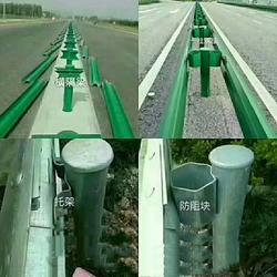 波形护栏板厂家护栏板有什么优势图片