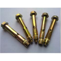波形护栏板厂家:护栏板配件螺栓的规格表图片