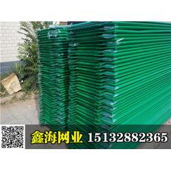 鑫海公司专业生产防眩网,高速防眩网,公路防眩网定制图片