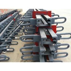 专业生产桥梁伸缩缝伸缩缝用途图片