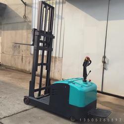 平衡重电动叉车供应商图片