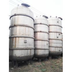二手不锈钢存储罐8成新15立方废铁价出售图片