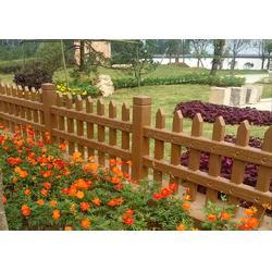 水泥草坪護欄 仿木草坪小柵欄 庭院草坪圍欄圖片