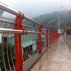 镀锌管桥梁栏杆-龙哲护栏定做图片