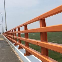 北京钢防撞栏杆信赖推荐-龙哲防撞护栏图片