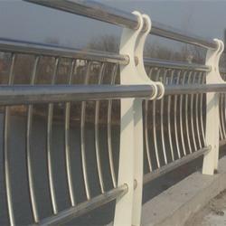 桥梁防撞栏杆,龙哲护栏(在线咨询)图片